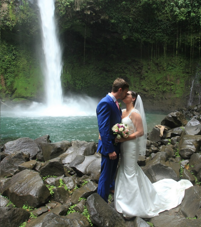 Costa Rica Weddings: Costa Rica's Natural Wonders Seduce Couples Looking For